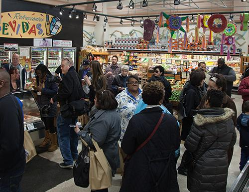Grocery Crawl draws community crowd, highlights southwest Detroit grocers